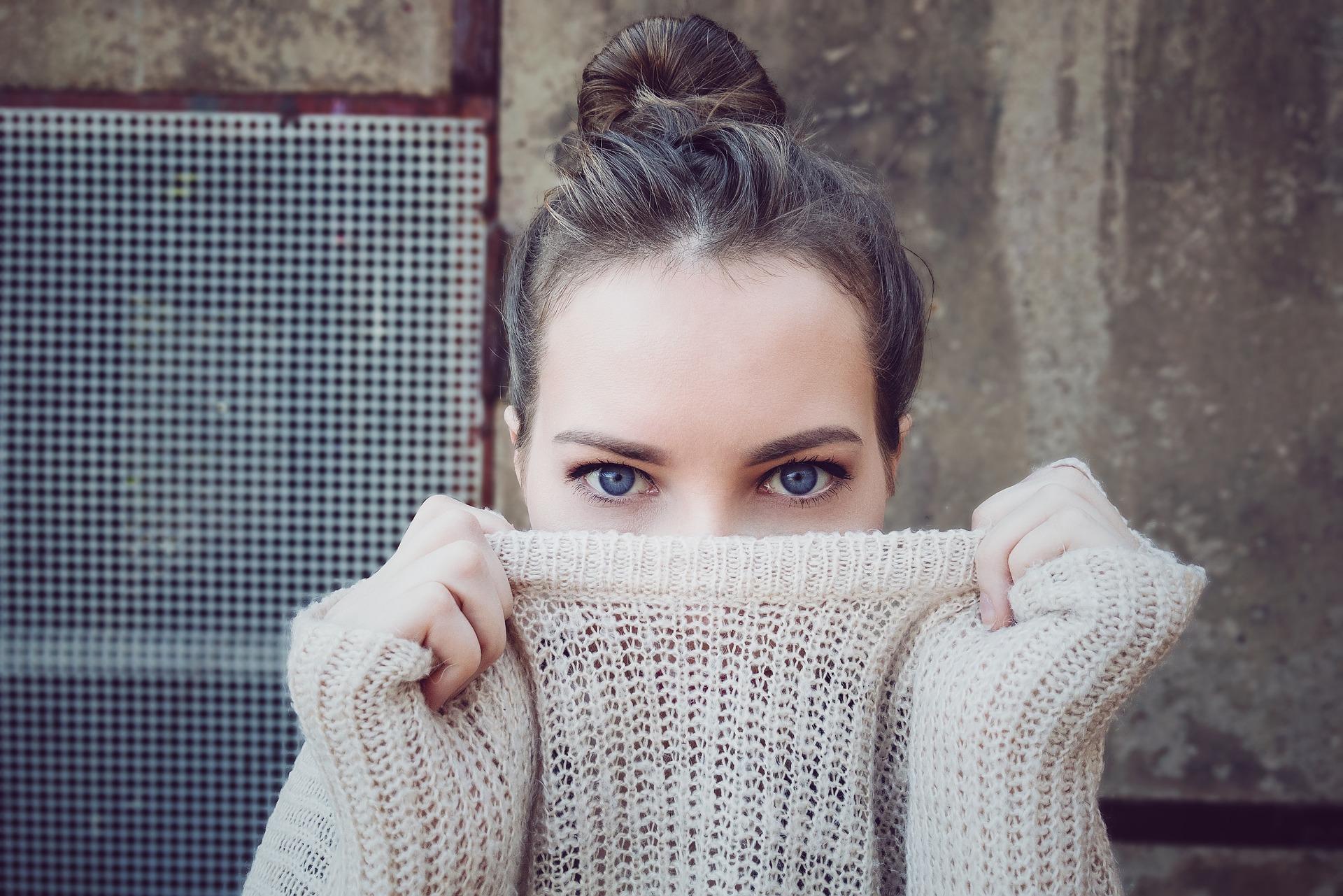 Des tenues d'hiver décontractées ou élégantes pour affronter le froid avec style.