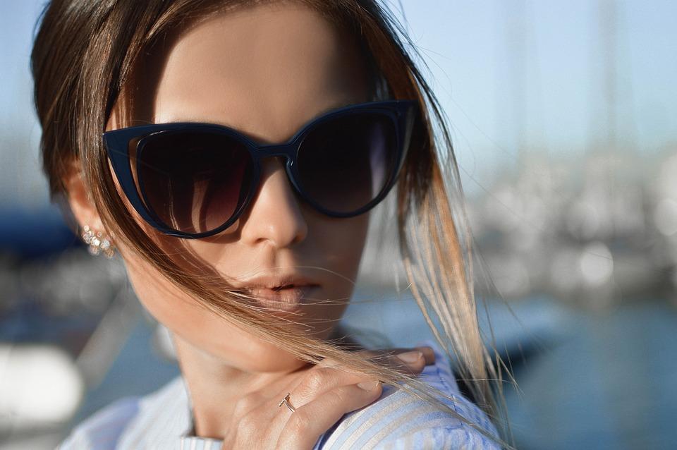 Les 10 lunettes de soleil les plus modernes pour femmes et hommes